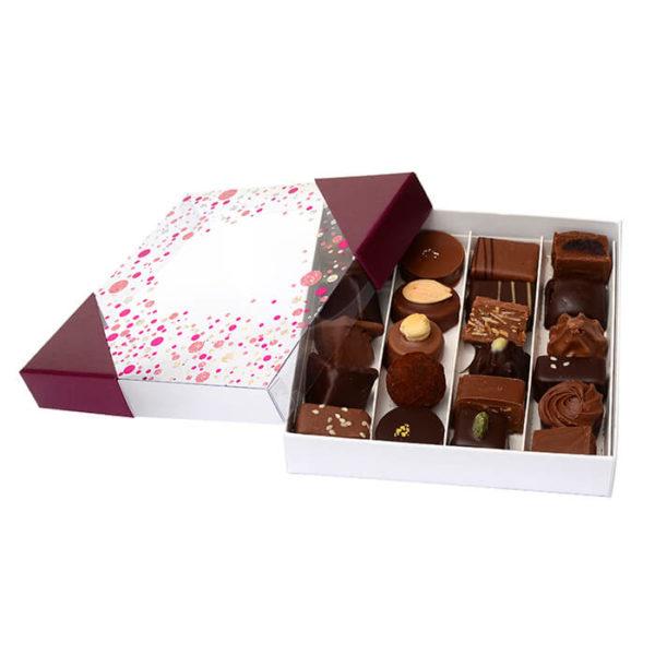 Coffret_de_Chocolat_noir_et_lait_Assortiments_Le_Jardin_des_Delices